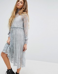 Кружевное платье с высокой горловиной Navy London - Серый