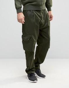 Зеленые брюки карго adidas Originals Badlander AY8533 - Зеленый