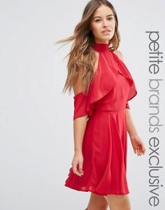Платье мини с высокой горловиной и вырезами на плечах John Zack Petite - Красный