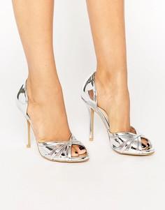 Серебристые сандалии на каблуке с открытым носком True Decadence - Серебряный