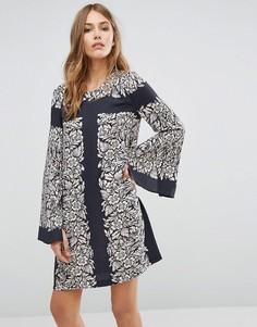 Платье-туника с принтом и рукавом-колоколом BCBG MAXAZRIA - Мульти