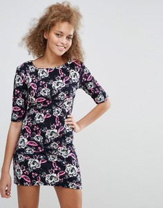Облегающее платье с цветочным принтом Pussycat London - Черный