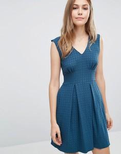 Фактурное плиссированное платье Closet - Синий