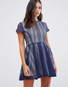 Кружевное платье Wal G - Синий