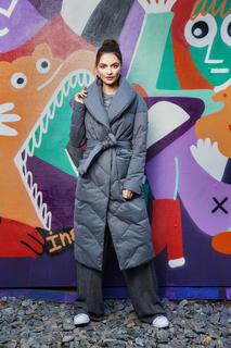 пальто на натуральном пуху с поясом La Reine Blanche