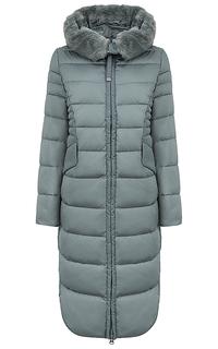 Утепленное пальто с отделкой искусственным мехом La Reine Blanche