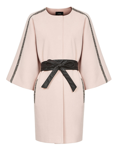 Пальто с декоративной отделкой и широким поясом Le Monique