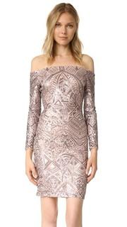 Платье с открытыми плечами и декоративной отделкой Bcbgmaxazria