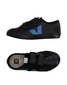 Низкие кеды и кроссовки Veja