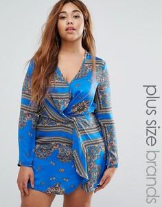 Шелковистое платье с запахом и платочным принтом Missguided Plus - Синий