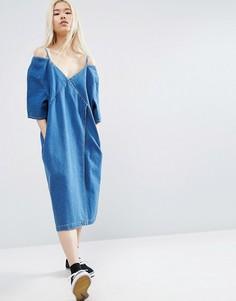 Джинсовое платье с вырезами на плечах ASOS WHITE - Синий