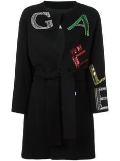 пальто с надписью-логотипом Gaelle Bonheur