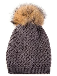 шапка с пом-поном из меха енота Inverni