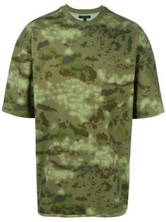 футболка с камуфляжным принтом Yeezy