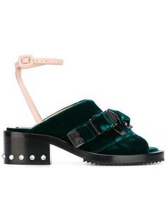 criss-cross buckle sandals Nº21