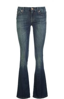 Расклешенные джинсы с потертостями и вышивкой 7 For All Mankind