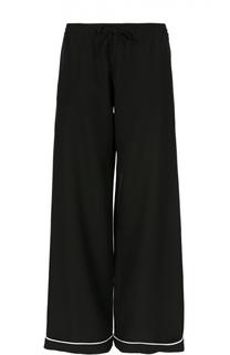 Шелковые брюки в пижамном стиле с контрастной отделкой Valentino