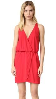 Платье-халат с запахом спереди Wayf