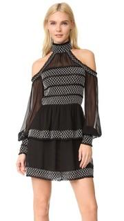 Платье с мелкими сборками и открытыми плечами Nicholas
