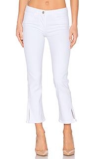 Укороченные расклешенные джинсы с разрезом w2 - 3x1