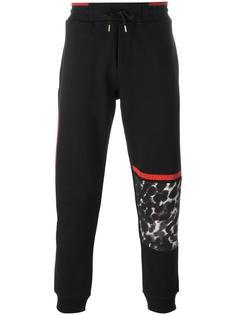 спортивные брюки с леопардовым принтом McQ Alexander McQueen