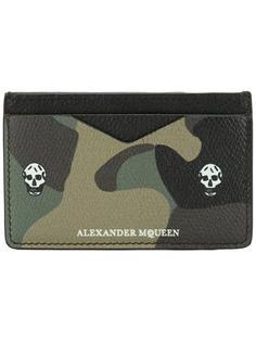 кошелек для карт с камуфляжным рисунком 'Skull' Alexander McQueen