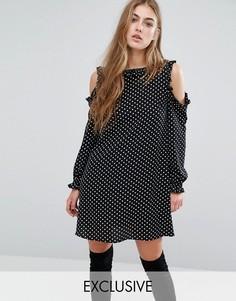 Цельнокройное платье в горошек с оборкой Missguided - Черный