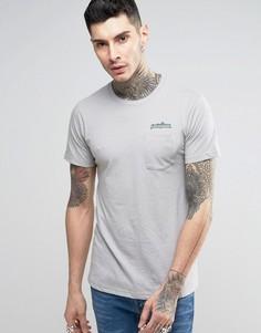 Серая узкая футболка с логотипом на груди и карманом Patagonia - Серый