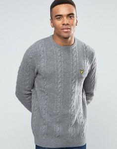 Серый меланжевый джемпер из овечьей шерсти с круглым вырезом и узором косичка Lyle & Scott - Серый