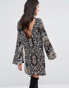Свободное платье с принтом и перекрестным дизайном на спине Missguided - Мульти