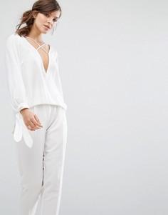 Топ с драпировкой спереди и завязками на манжетах Parallel Lines - Белый