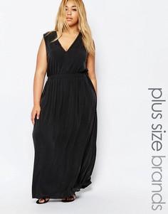 Платье макси с глубоким вырезом спереди Carmakoma - Черный