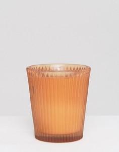 Свеча в стаканчике с ароматом граната и грейпфрута Capri Blue - Бесцветный