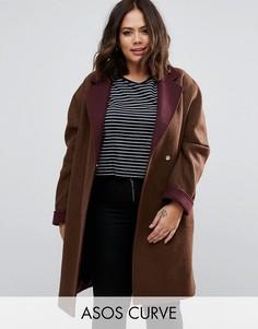 Пальто с контрастным воротником и манжетами ASOS CURVE - Коричневый