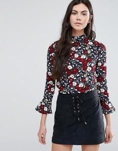 Блузка с оборками на рукавах Madam Rage - Красный