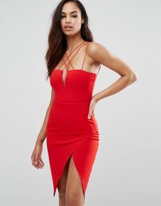 Платье-футляр с глубоким вырезом Rare London - Красный
