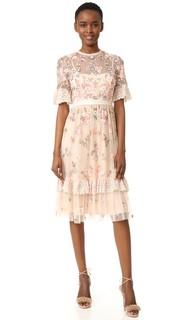 Платье с хаотично расположенным мелким рисунком Needle & Thread