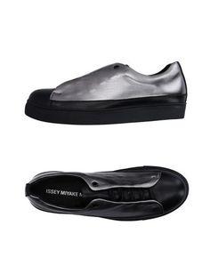 Низкие кеды и кроссовки Issey Miyake MEN