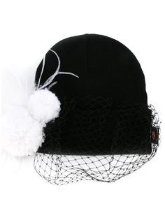 шапка с вуалью и украшением из перьев  Piers Atkinson