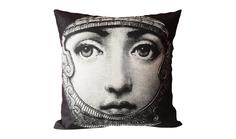 """Подушка с портретом Лины Пьеро Форназетти """"Knight"""" DG"""