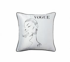 """Подушка с надписью """"Vogue"""" DG"""