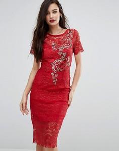 Кружевное облегающее платье с цветочной аппликацией Bodyfrock - Красный
