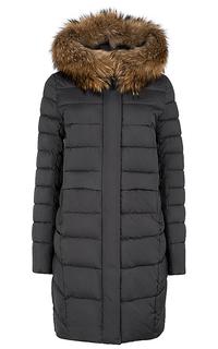утепленное пальто с отделкой мехом енота Neohit
