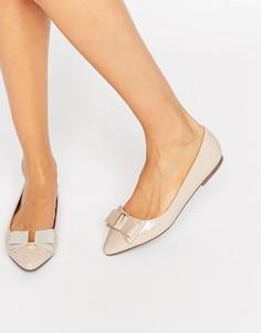 Остроносые туфли на плоской подошве с бантом Miss KG Nessy - Бежевый