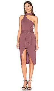 Платье с асимметричным вырезом - Lavish Alice