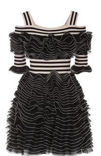 Мини-платье с открытыми плечами и оборками Alexander McQueen