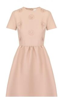 Приталенное мини-платье с фактурной цветочной отделкой Valentino