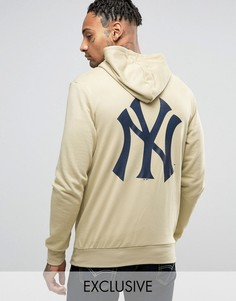 Худи с принтом на спине Majestic Yankees эксклюзивно для ASOS - Stone