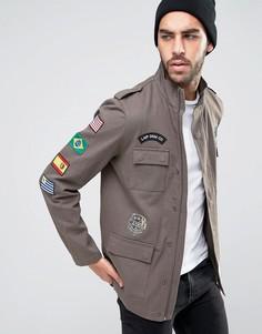 Куртка милитари цвета хаки с нашивками Liquor & Poker - Зеленый