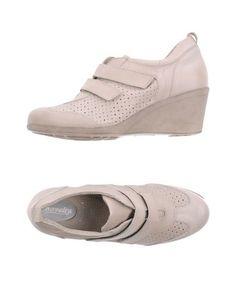 Низкие кеды и кроссовки Novelty